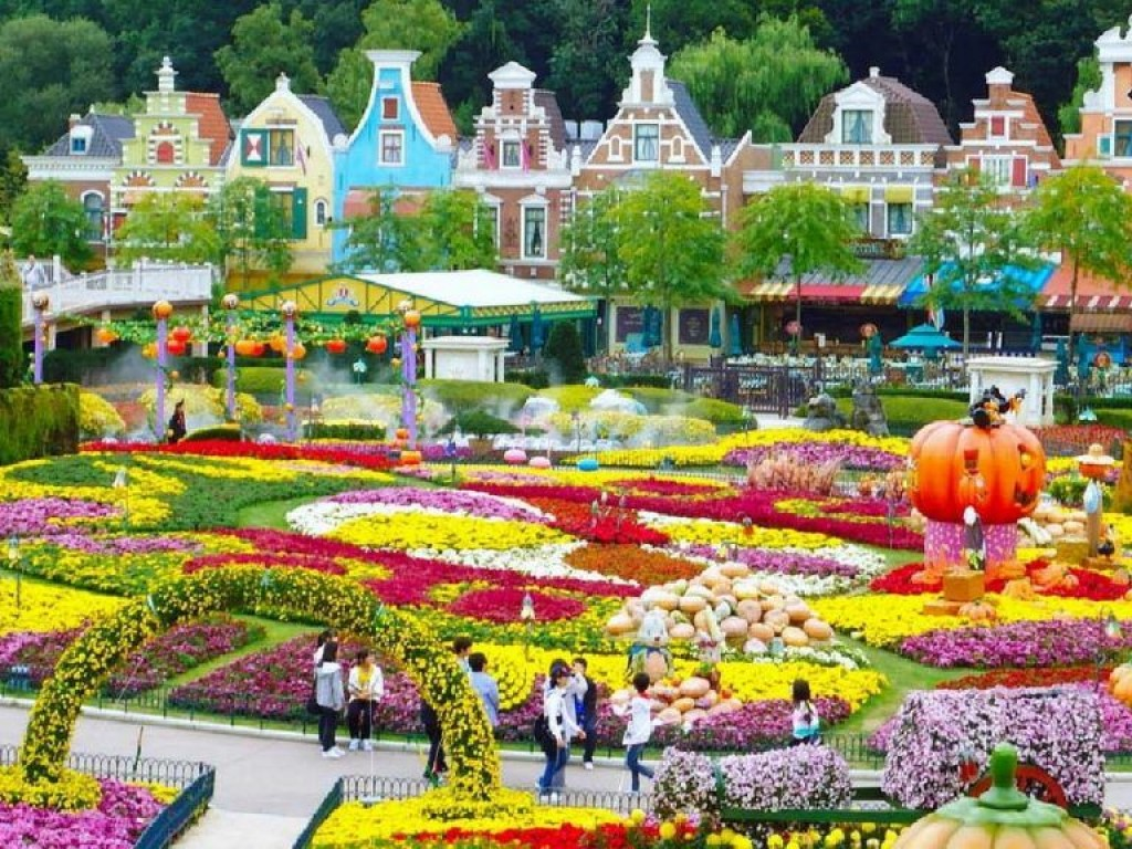 Traveling Everland Theme Park and Shopping in Seoul 0